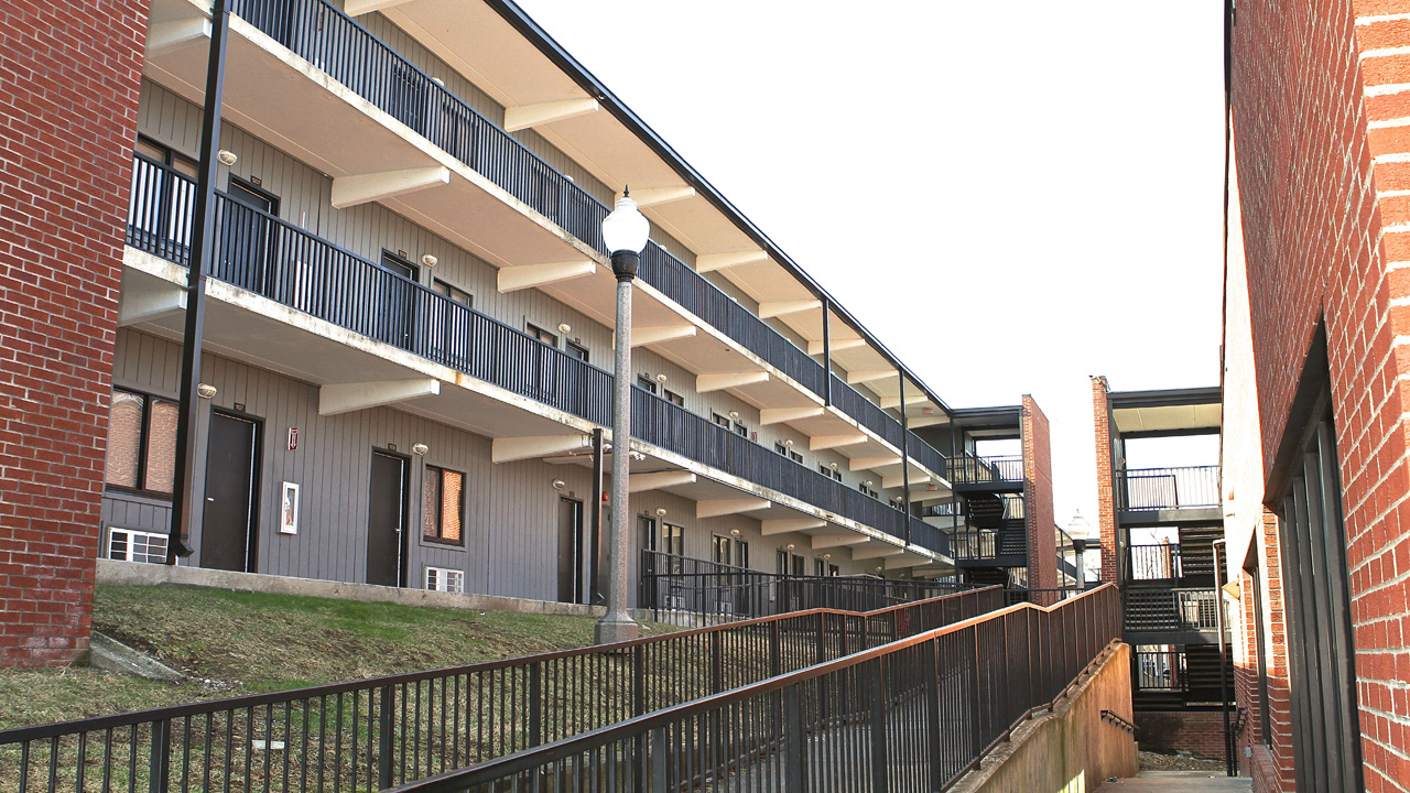 and housing services technology lincoln nashville college apartment offers halls of in on campus residential neighborhood collegiate nash tech living